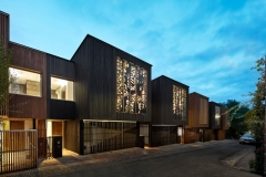 laser-cut-artwork-building-facade-231117-407-01-800x533